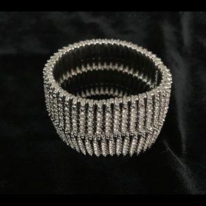 Stealing & Dot Bracelet